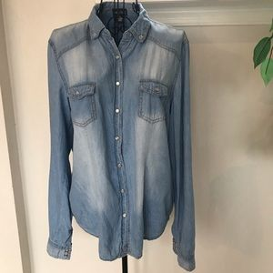 Wet Seal Lightweight Chambray Pearl Snap Shirt